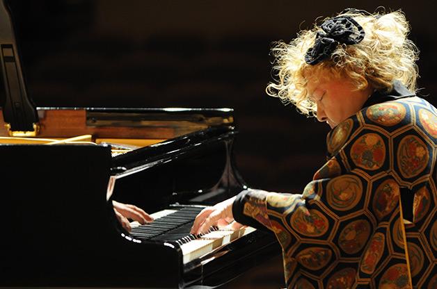 <span class='b'>イングリット・フジコ・ヘミング ピアノコンサート</span>
