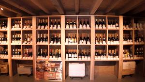 もっと!信州77「朝日村編」| 土蔵を改装したワイン専門店