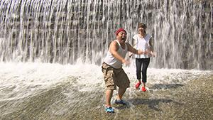 乳川(大槻瞳・ヤポンスキー こばやし画伯)|風めぐり&水めぐり~真夏をより楽しむいくつかの方法~