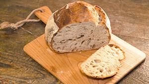 ピナティ クラフトベーカリー ハード系パン|こだわりのパン職人 信州の食パン