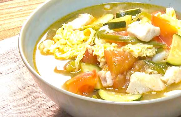 ヤミーの3ステップクッキング 夏野菜の酸辣湯うどん